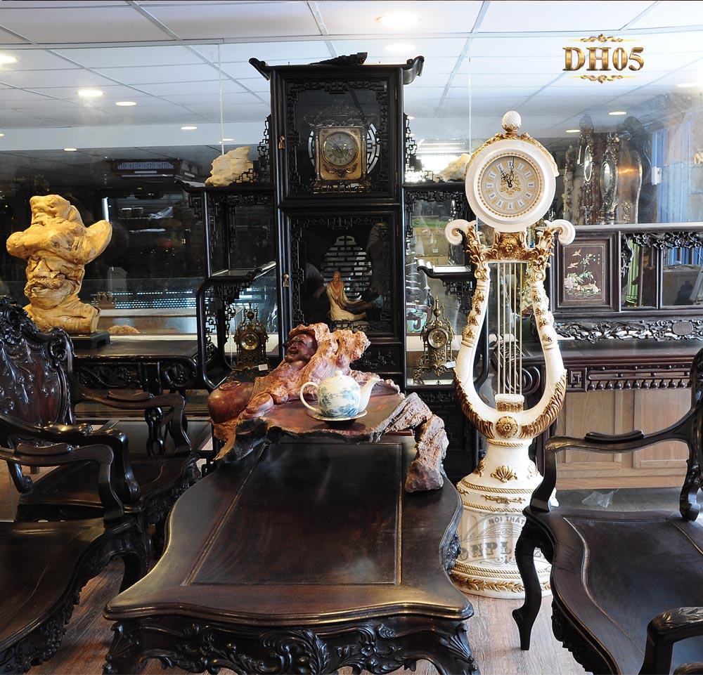 Đồng hồ cây DH05 phong cách tân cổ điển dáng thiên cầm