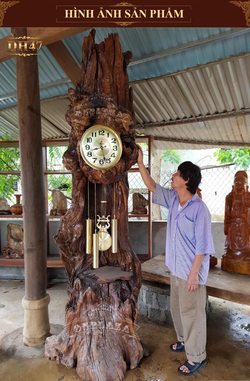 Đồng hồ cây gỗ ngọc am vàng DH47