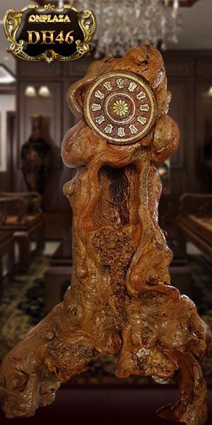 Đồng hồ cây gỗ hương nguyên khối dáng người đứng kiểu dáng độc lạ