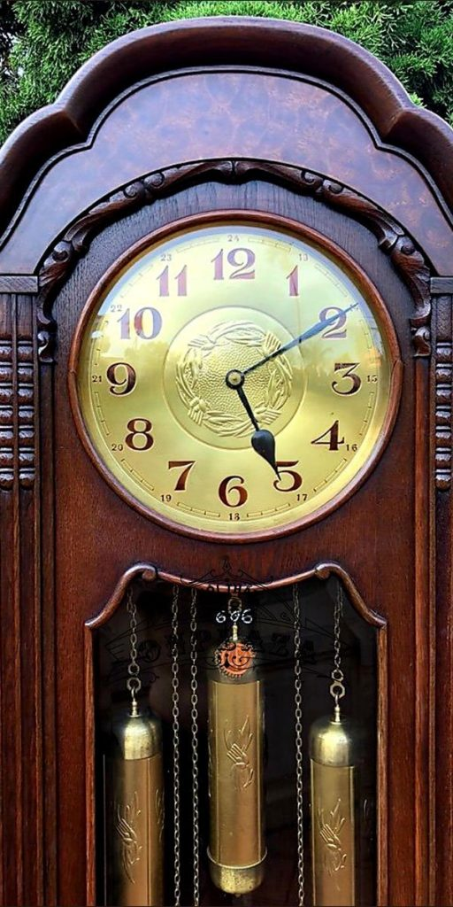 Đồng hồ tủ đầu ông sư cổ thế kỷ XX 2