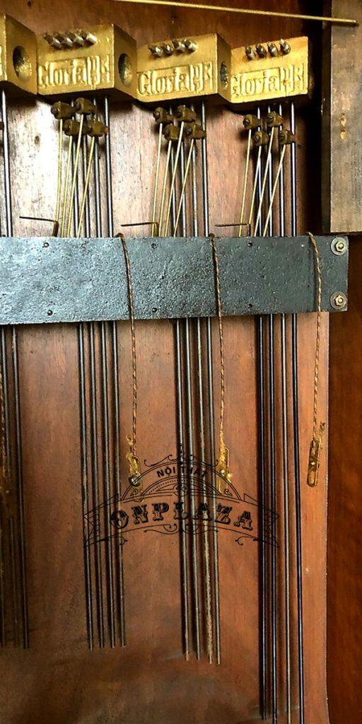 Đồng hồ tủ cây junghans16 gông độc chiếc kiểu cây đàn 6